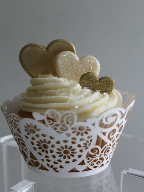 Wedding Cup Cake Red And White Heart 20152829